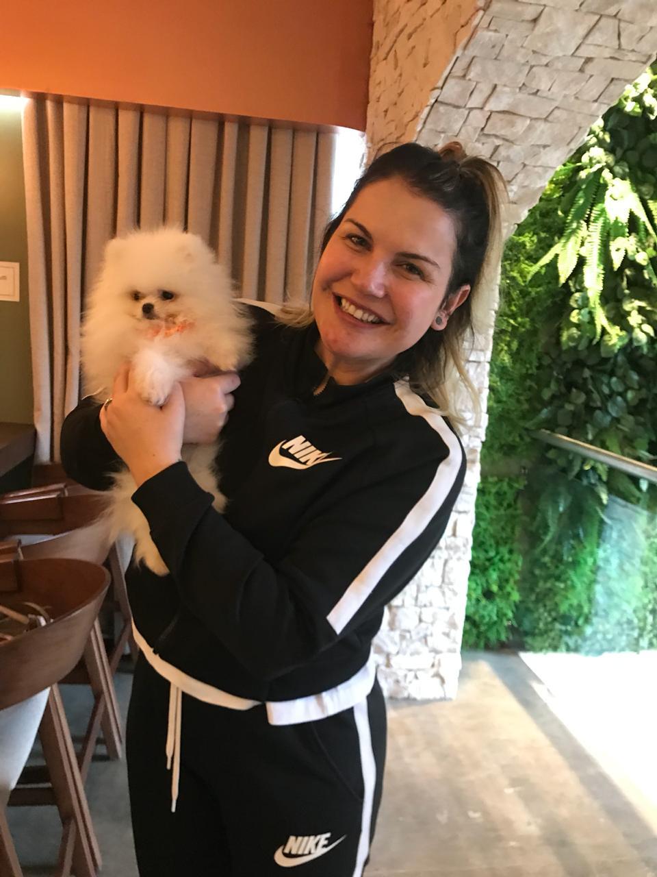 Irmã do jogador Cristiano Ronaldo, Kathia Aveiro, cliente do Canil Benatti